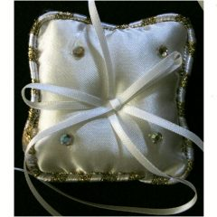 SL404 Ivory Ring Cushion