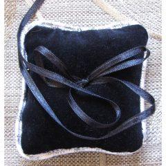 SL405 Black Velvet Ring Cushion