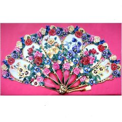 5710 0011 Victorian Fan with Roses.